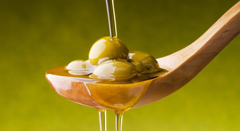 olio d'oliva per la cura di bellezza
