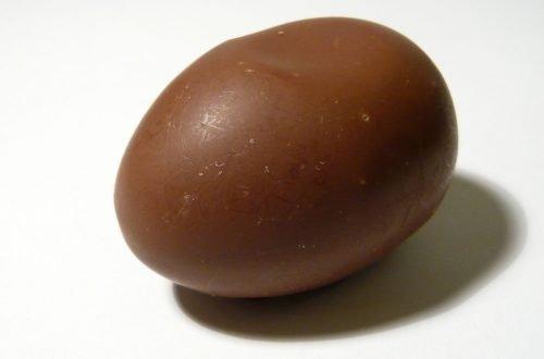 uovo di cioccolata