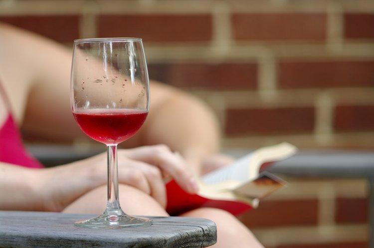 Päntsdrunk vino in mutande
