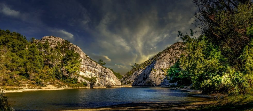 natura lago di montagna