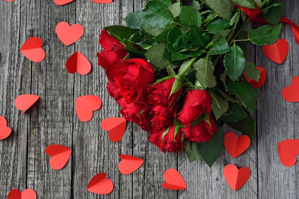 rose rosse ovunque e comunque san valentino