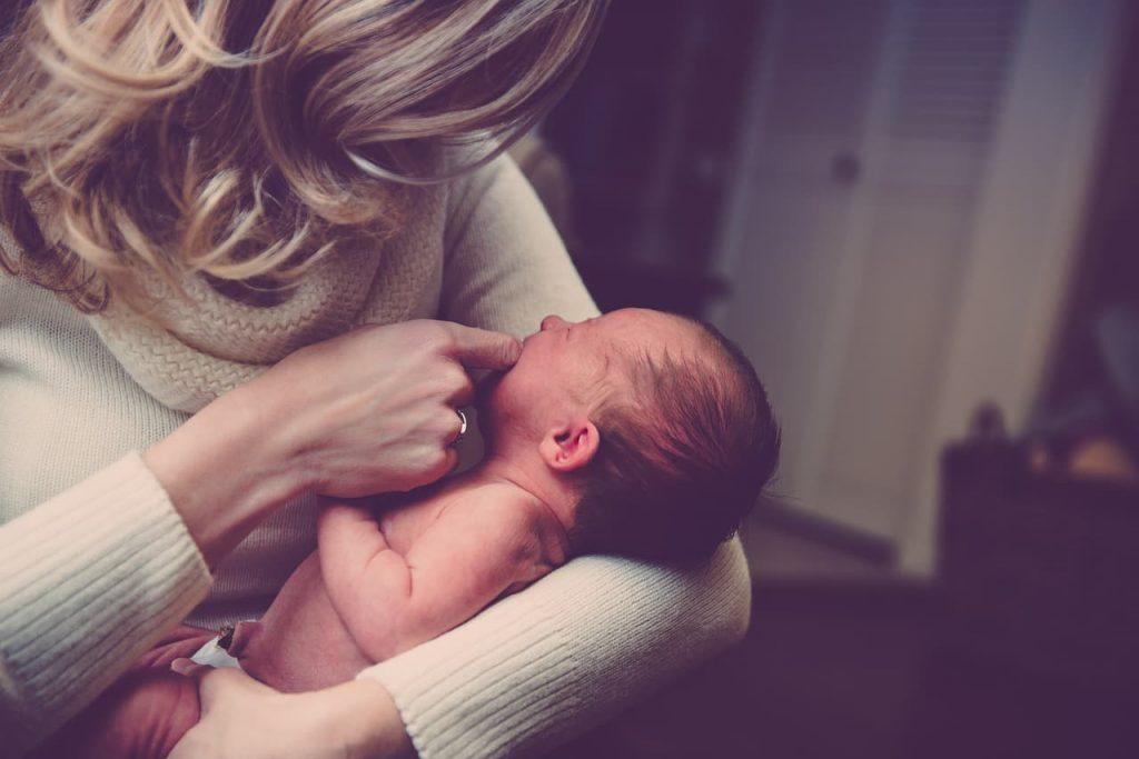 conciliare la maternità col lavoro