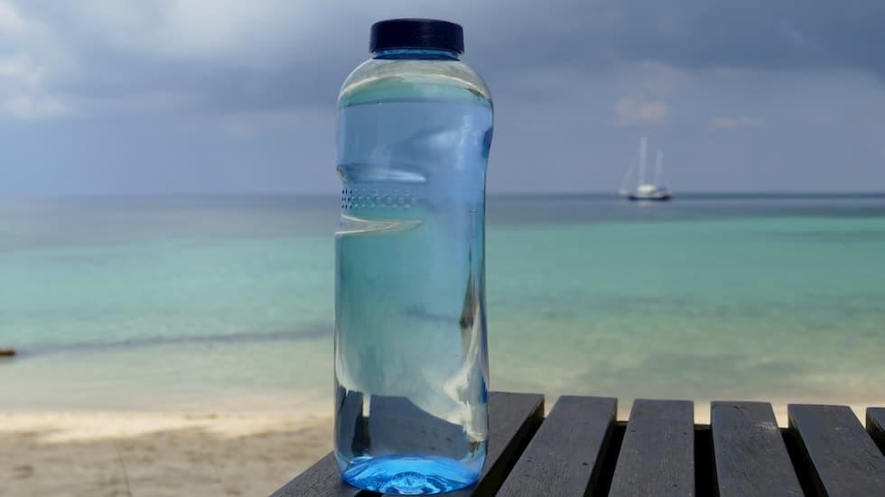 Acqua in bottiglia la più grande truffa