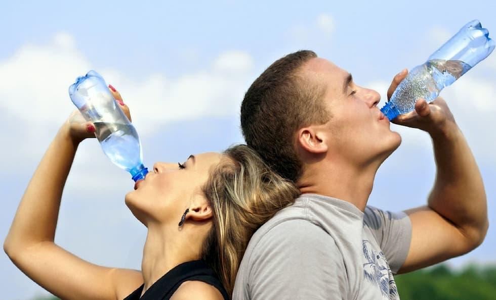 acqua bottiglia truffa