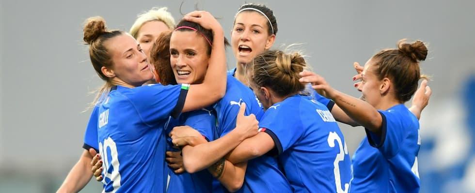 Calcio femminile comincia il mondiale