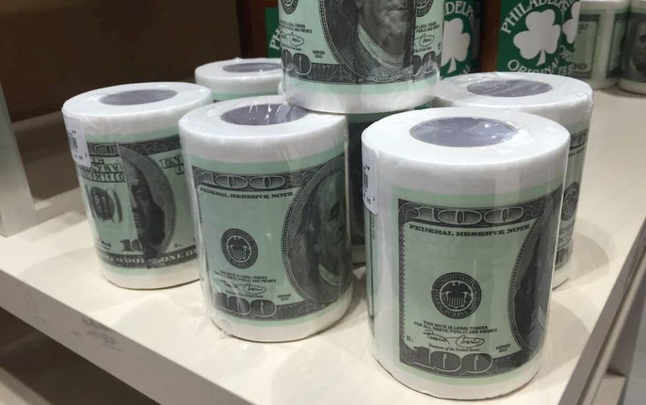 L'enorme spreco della carta igienica