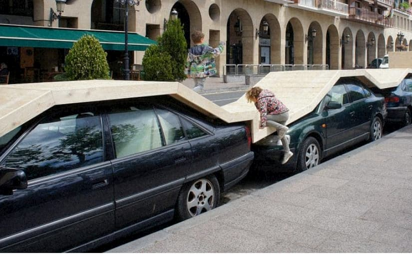 mini parco auto parcheggiate