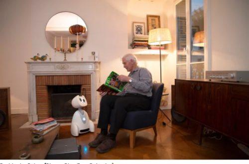robot assistenza anziani