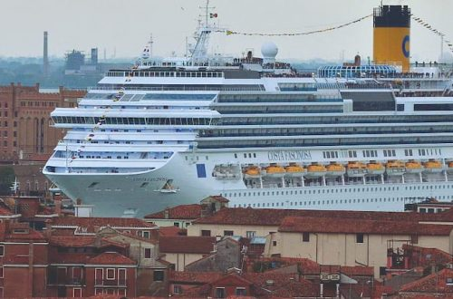 Venezia super-navi viaggio