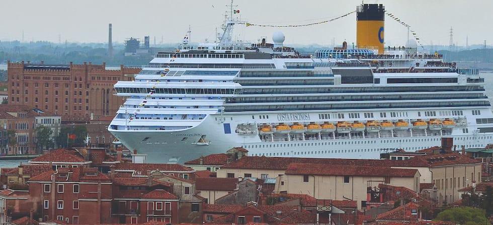 Super-navi a Venezia per poco non c'è scappato il morto