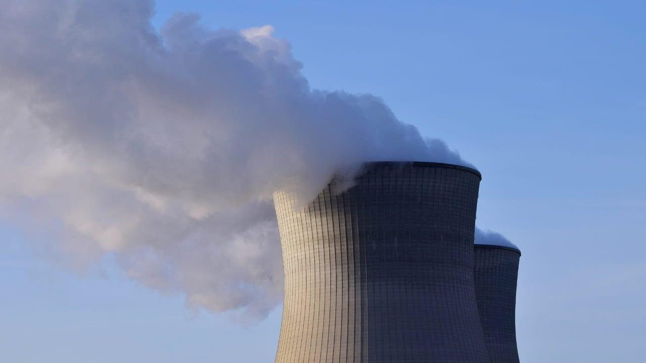 Il Giappone rilascia l'acqua radioattiva