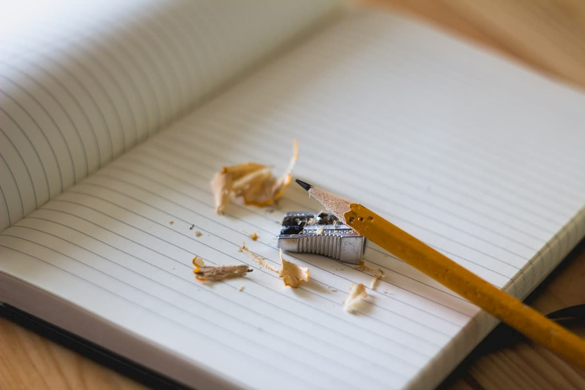 Tornate ad usare penne e matite. Fa bene al cervello