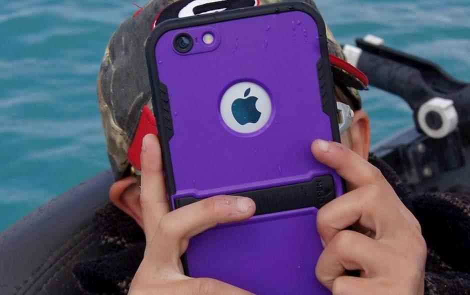 C'è un'età giusta per possedere un telefono?