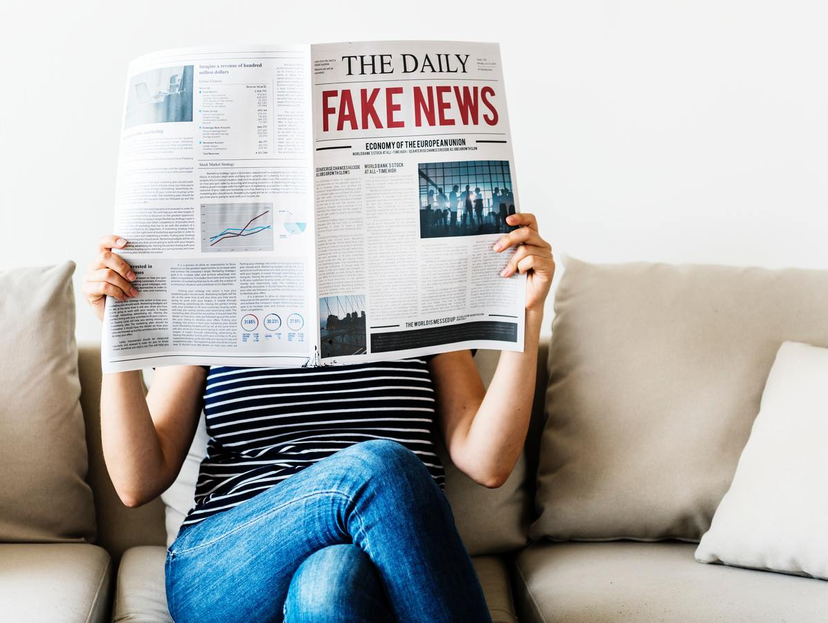 Sarà l'Intelligenza Artificiale a bloccare le fake news?