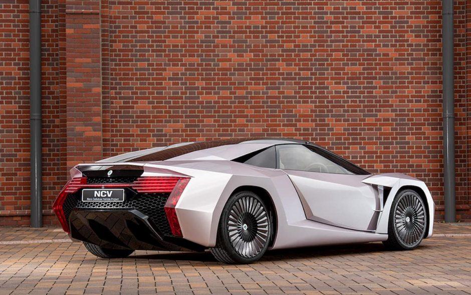 l'auto del futuro di legno e caffè