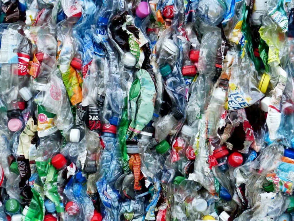 Nuova vita alle plastiche riciclate dagli enzimi