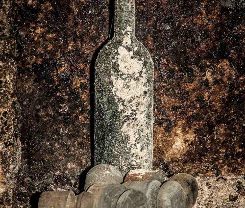 Una bottiglia talismano fatta da una strega