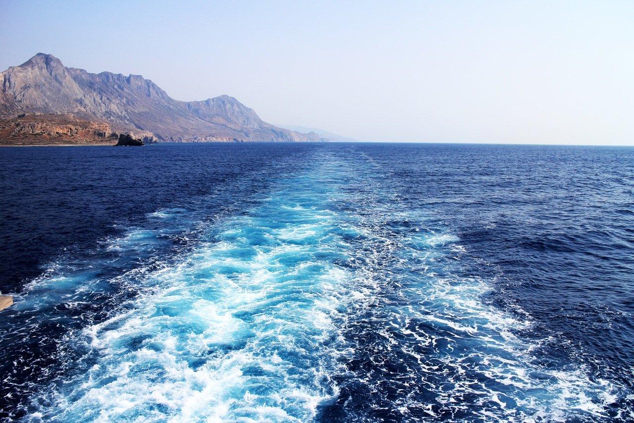 Le piccole bolle fanno scivolare le navi in acqua