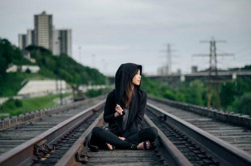 suicidi e hikikomori in aumento in Italia