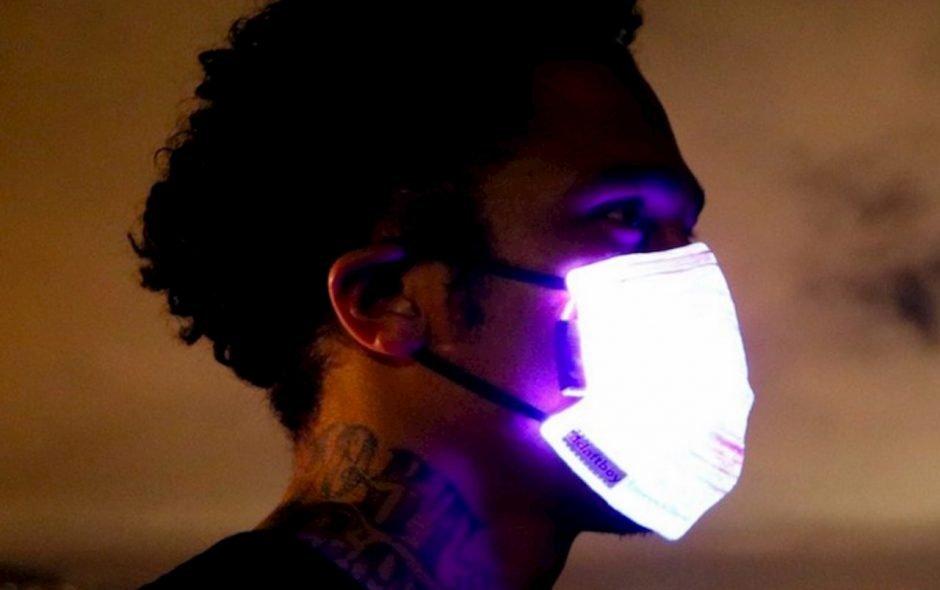 Le mascherine luminose per non passare inosservati