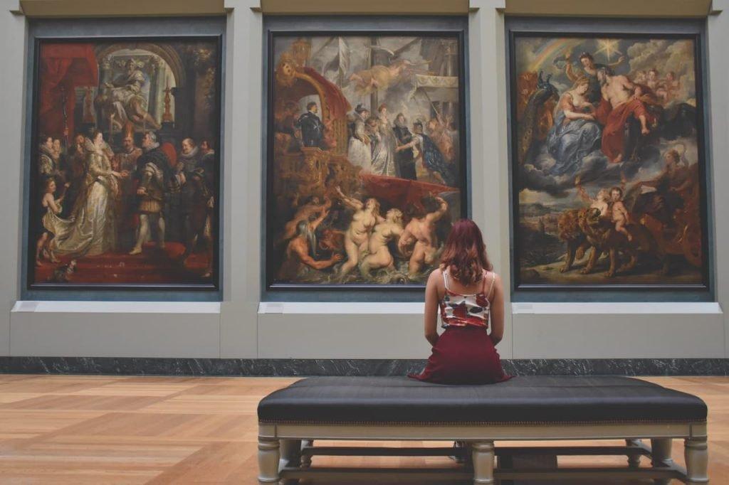 Aprono i musei e torna a circolare la cultura